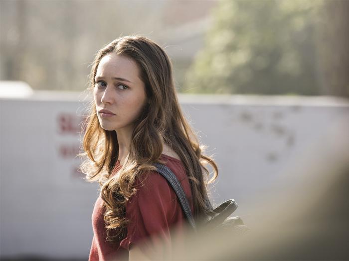 Alycia Debnam Carey as Alicia  - Fear the Walking Dead _ Season 1, Episode 1 - Photo Credit: Justin Lubin/AMC