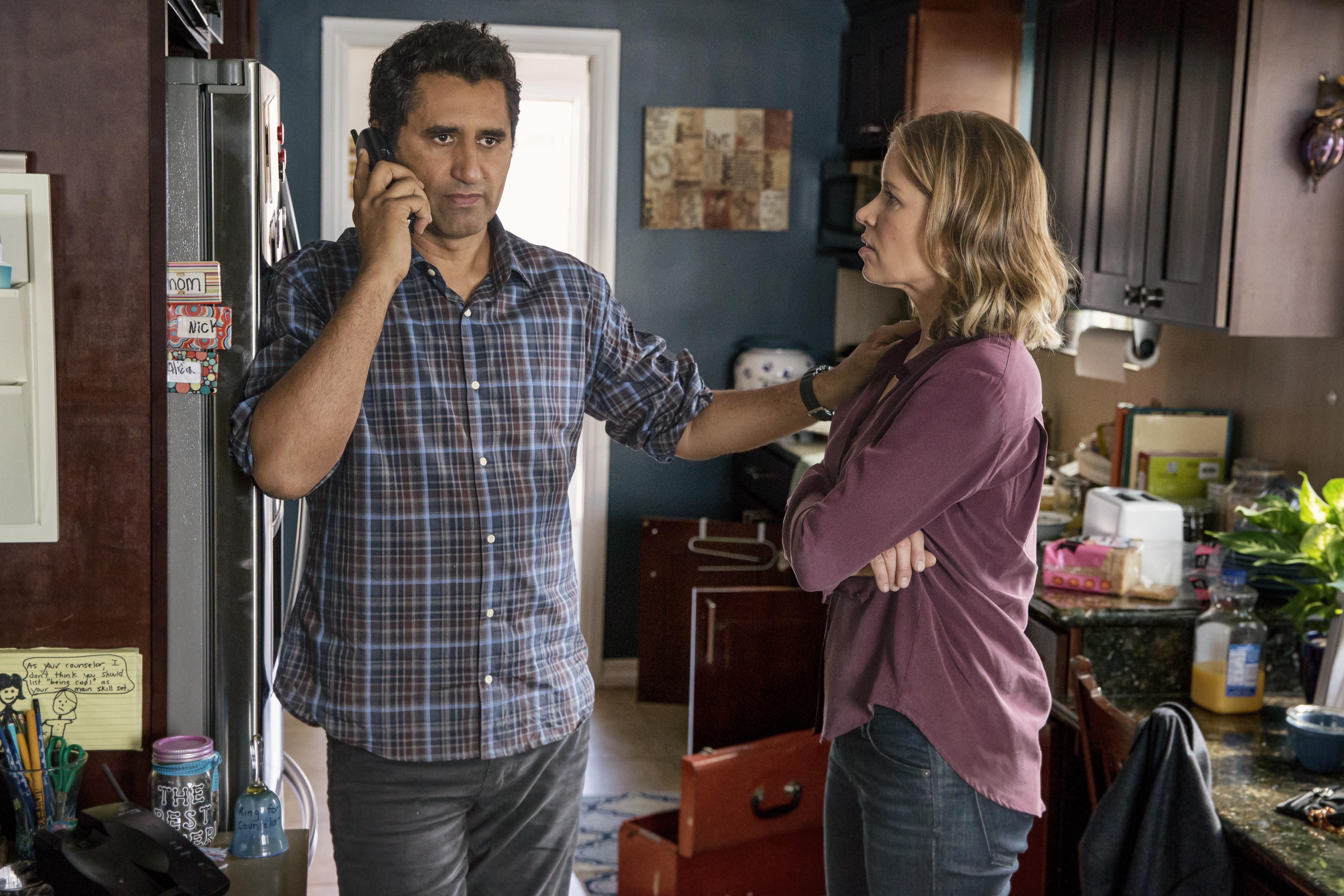 Cliff Curtis como Travis e Kim Dickens como Madison - Fear the Walking Dead 1ª Temporada, Episódio 1 | Foto por Justin Lubin/AMC