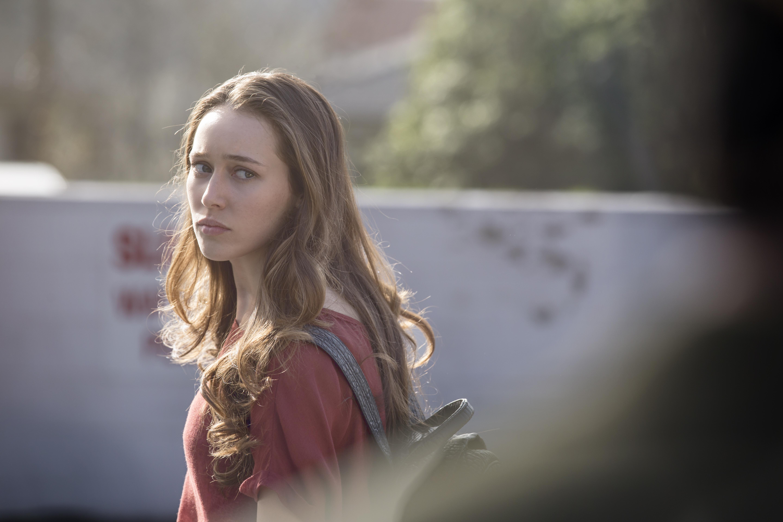 Alycia Debnam Carey como Alicia - Fear the Walking Dead 1 Temporada - Episódio 1: Pilot