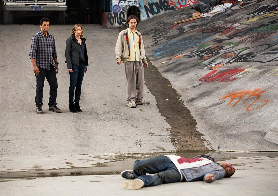 fear-the-walking-dead-s01e01-review-005