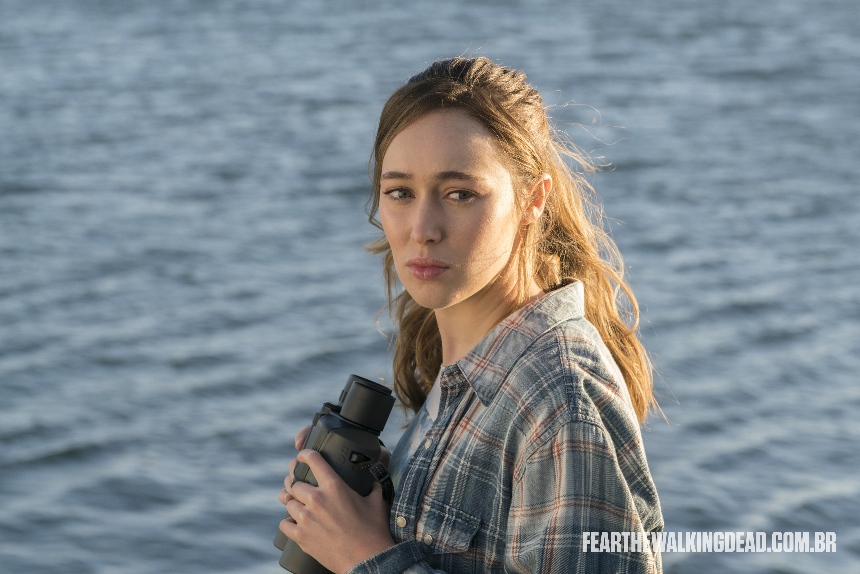 "Alicia Clark - Fear the Walking Dead S02E01 - ""No Safe Harbor"""