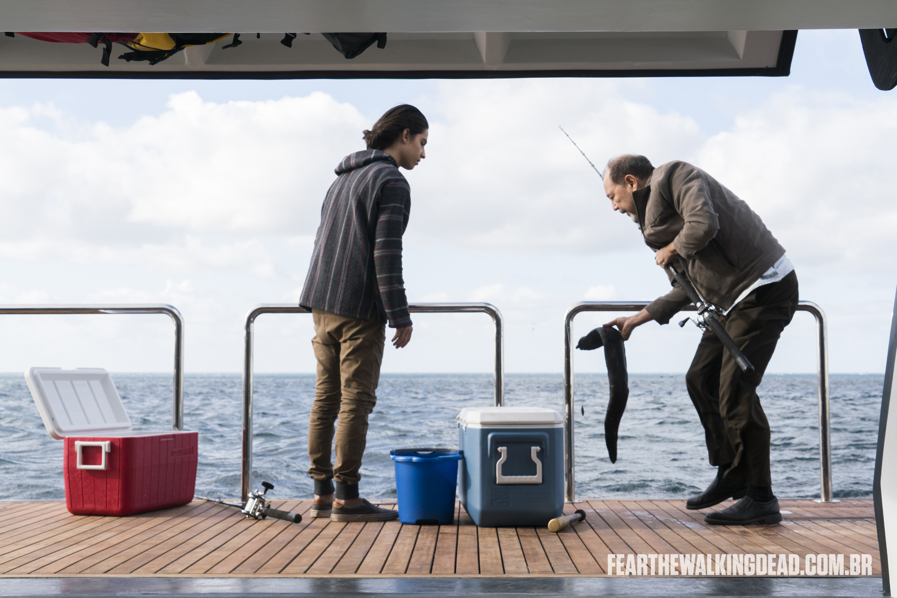 "Chris Manawa e Daniel Salazar - Fear the Walking Dead S02E01 - ""No Safe Harbor"""