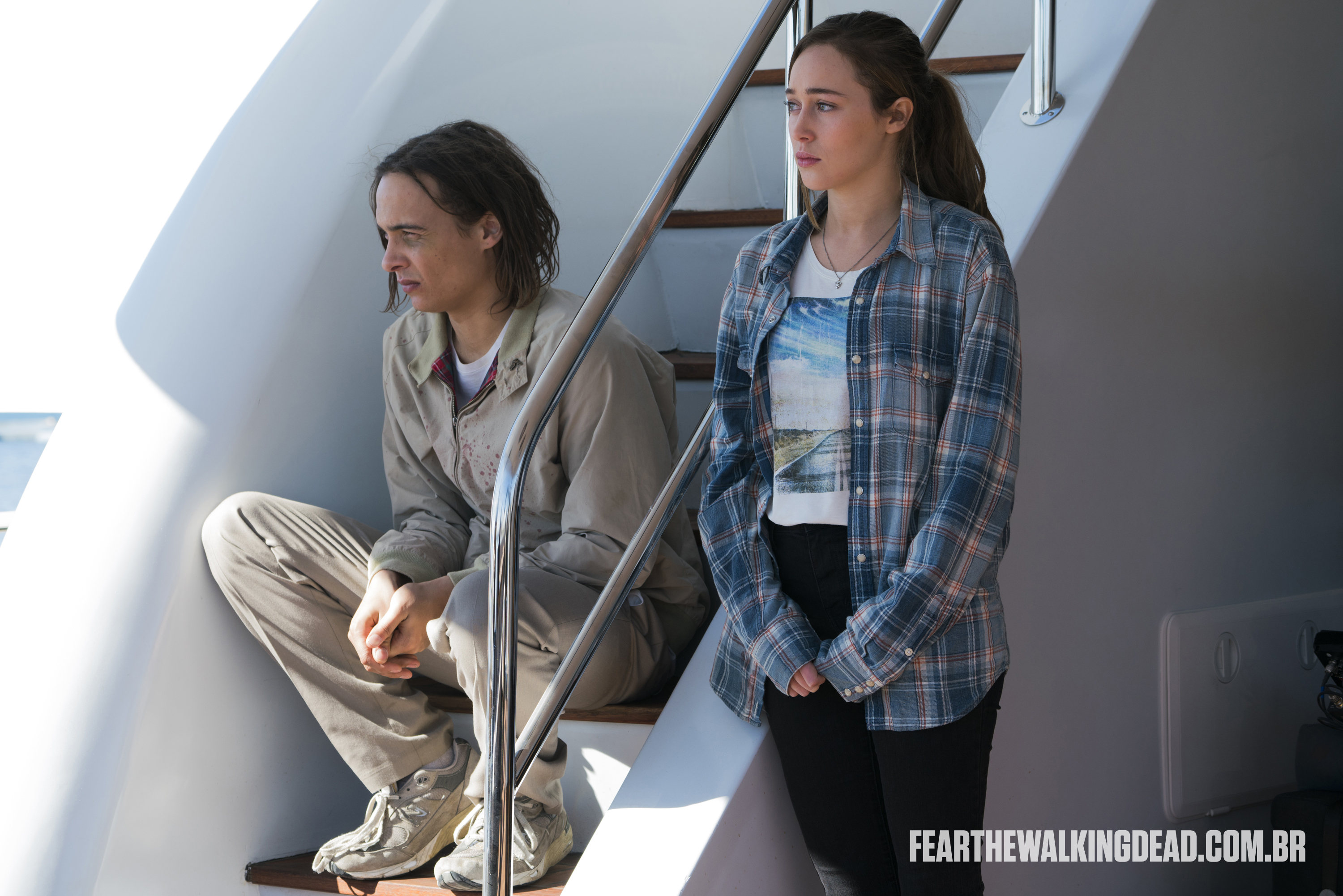 "Nick Clark e Alicia Clark - Fear the Walking Dead S02E01 - ""No Safe Harbor"""