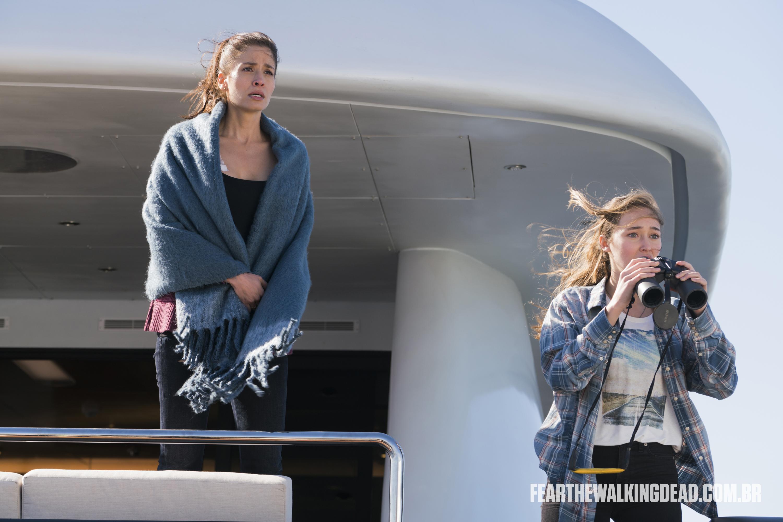 "Ofelia Salazar e Alicia Clark - Fear the Walking Dead S02E01 - ""No Safe Harbor"""