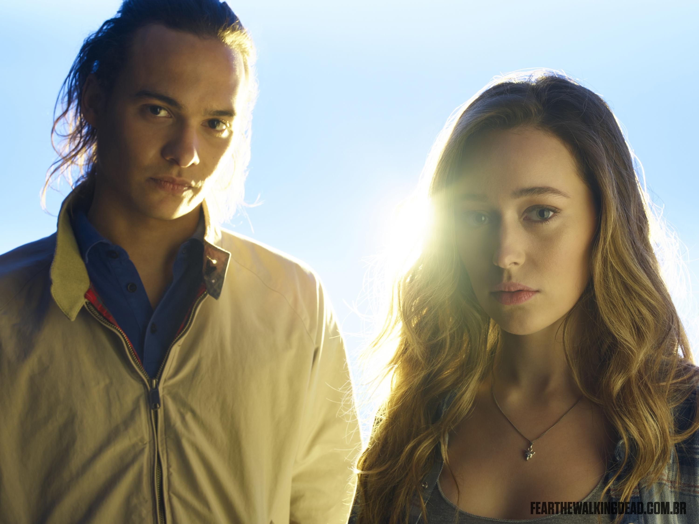 Frank Dillane e Alycia Debnam-Carey como Nick Clark e Alicia Clark - 2ª Temporada de Fear the Walking Dead