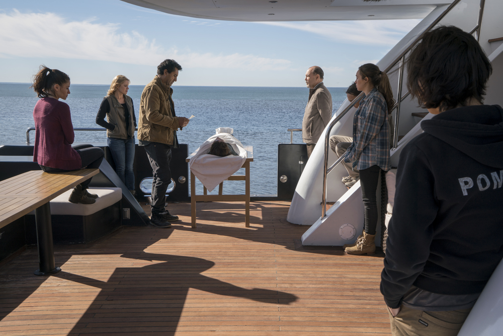 fear-the-walking-dead-s02e01-review-001