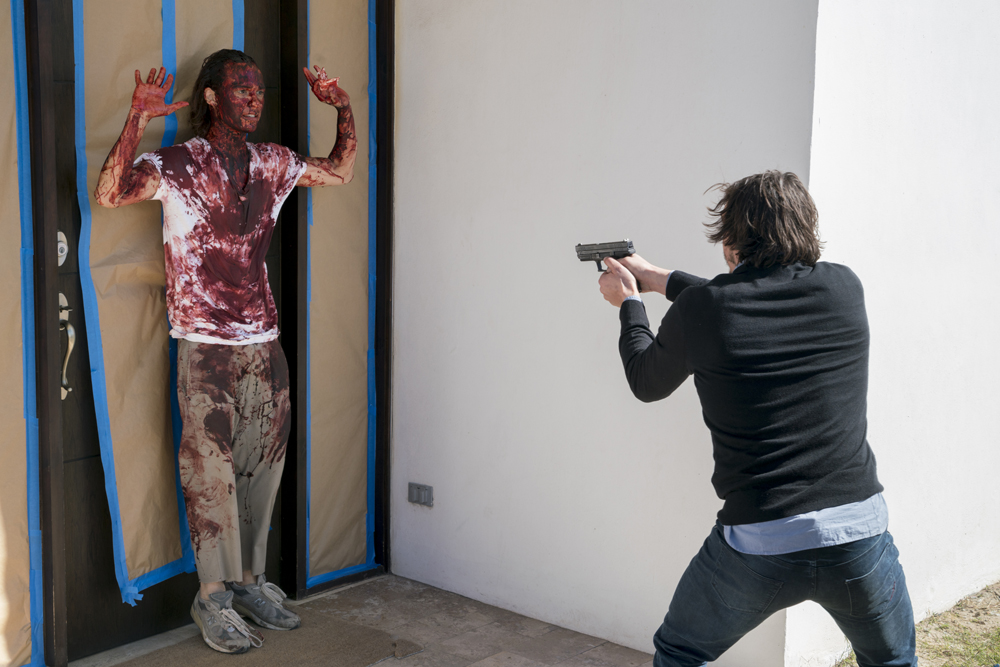 fear-the-walking-dead-s02e04-blood-in-the-streets-review-001