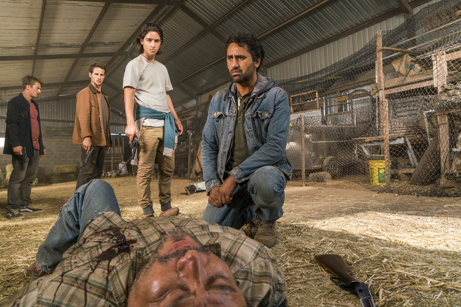 Cliff Curtis as Travis Manawa, Lorenzo James Henrie as Chris Manawa, Kelly Blatz as Brandon Luke, Kenny Wormald as Derek, Gustavo Pastrana as Farmer  - Fear The Walking Dead _ Season 2, Episode 10 -  Photo Credit: Richard Foreman/AMC