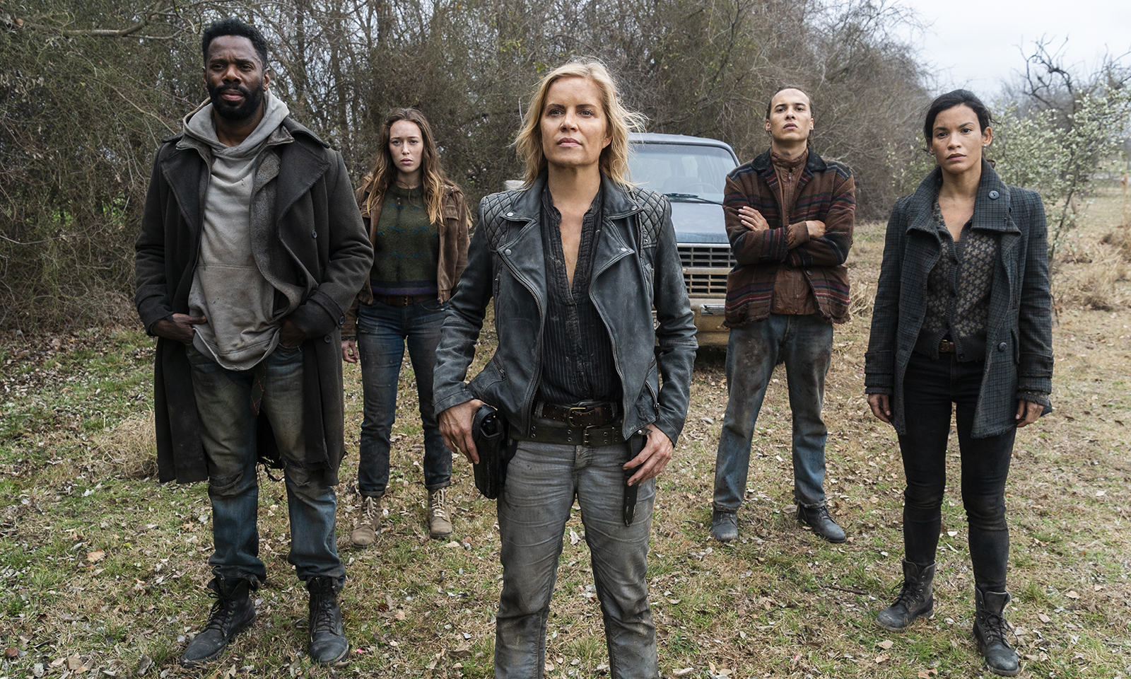victor, alicia, madison, nick e luciana na estrada em cena da 4ª temporada de Fear the Walking Dead